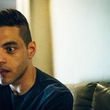 Mr. Robot: Rami Malek in un'immagine del settimo episodio