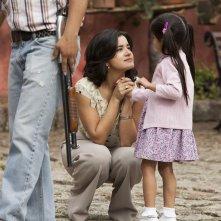 Narcos: l'attrice Paulina Gaitan in una foto della stagione 2