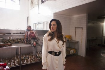 Narcos: in una foto del settimo episodio della stagione 2