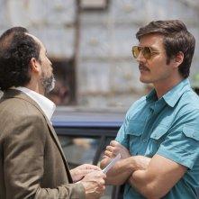 Narcos: Pedro Pascal in una foto della stagione 2