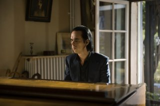 The Beautiful Days of Aranjuez: Nick Cave in una scena del film