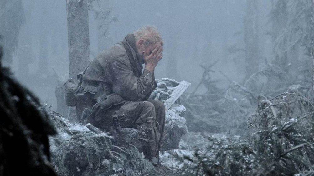 Band of Brothers:  Neal McDonough in una scena drammatica della serie