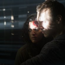 Blair Witch: James Allen McCune e Callie Hernandez in una scena del film