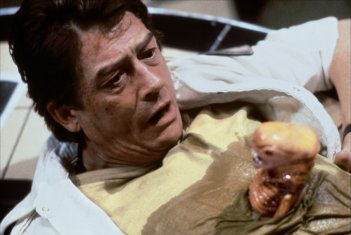 Alien: John Hurt in un momento del film