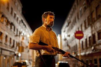 The Fury of a Patient Man: Antonio de la Torre in una scena del film