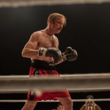 The Bleeder: Liev Schreiber sul ring in una scena del film