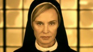 American Horror Story: un primo piano di Jessica Lange nella seconda stagione