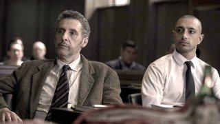 The Night Of: John Turturro e Riz Ahmed in una scena del finale di stagione