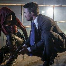 Arrow: Oliver e Speedy in un'immagine della quinta stagione