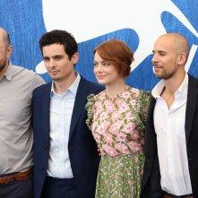 Venezia 2016: Damien Chazelle, Emma Stone, Fred Berger, Marc Platt, Jordan Horowitz  al Photocall di La La Land