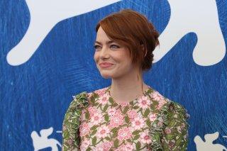 Venezia 2016: Un immagine di Emma Stone al Photocall di La La Land