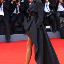 Venezia 2016: Bianca Balti posa sul red carpet