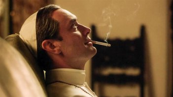 The Young Pope: una scena con Jude Law
