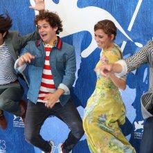 Venezia 2016: Brando Pacitto, Matilda Lutz, Taylor Frey, Joseph Haro scherzano al photocall de L'estate addosso