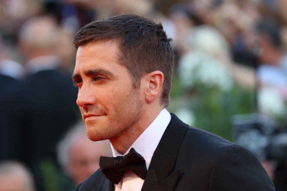 Venezia 2016: Jake Gyllenhaal sul red carpet di Nocturnal Animals