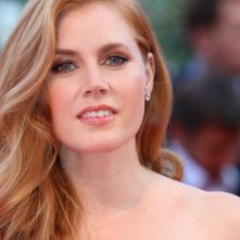 Venezia 2016: un primo piano di Amy Adams sul red carpet di Nocturnal Animals