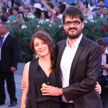 Venezia 2016: Roan Johnson con la sua compagna sul red carpet di Piuma