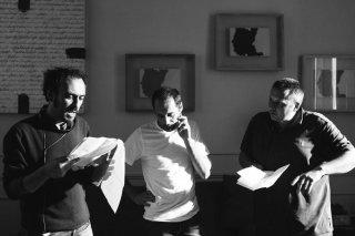 Orecchie: Alessandro Aronadio insieme al protagonista Daniele Parisi sul set del film