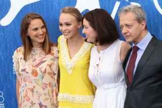 Venezia 2016: Rebecca Zlotowski, Lily-Rose Depp, Emmanuel Salinger, Natalie Portman al photocall di Planetarium