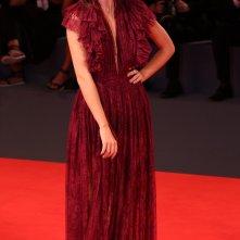 Venezia 2016: Caterina Le Caselle posa sul red carpet di Questi giorni