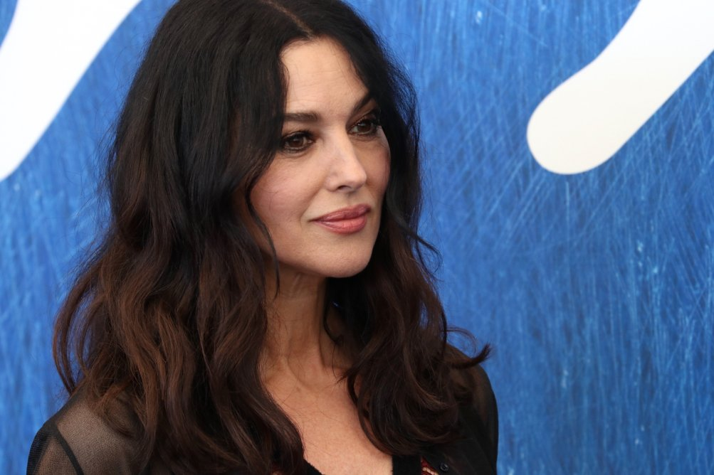 Venezia 2016: Monica Belluci posa al photocall di On the Milky Road