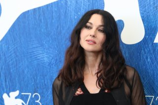 Venezia 2016: uno scatto di Monica Bellucci al photocall di On the Milky Road