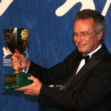 Venezia 2016: Oscar Martinez al photocall dei premiati