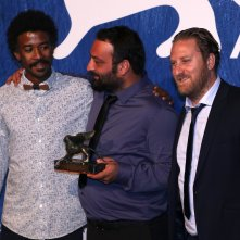 Venezia 2016: Ala Eddine Slim e il cast di The Last of Us al photocall dei premiati