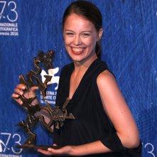 Venezia 2016: Paula Beer al photocall dei premiati
