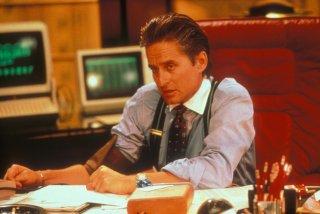 Wall Street: Michael Douglas in una scena del film