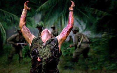 Oliver Stone: da Platoon a Nixon, la coscienza sporca degli USA in 5 grandi film