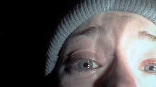 Heather Donahue in una scena di THE BLAIR WITCH PROJECT - IL MISTERO DELLA STREGA DI BLAIR