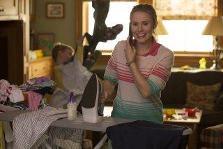 Bad Moms - Mamme molto cattive: Kristen Bell in una scena del film