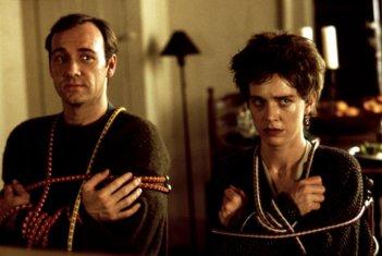 C'eravamo tanto odiati: Kevin Spacey e Judy Davis in una scena del film