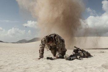 Mine: Armie Hammer in una scena concitata del film