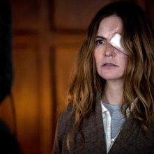 Morgan: Jennifer Jason Leigh in una scena del film