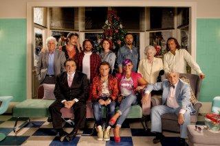 Natale a Londra - Dio salvi la Regina: la prima immagine promozionale con il cast principale al completo