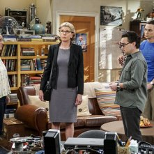 The Big Bang Theory: Kaley Cuoco, Christine Baranski, Johnny Galecki e Jim Parsons in The Conjugal Conjecture