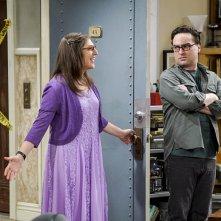 The Big Bang Theory: Mayim Bialik e Johnny Galecki nella prima puntata della decima stagione