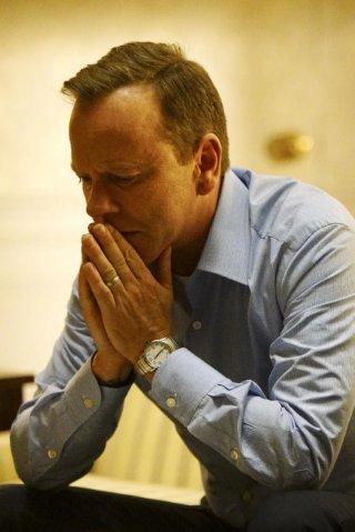 Designated surivor: Tom Kirkman (Kiefer Sutherland) in un momento di difficoltà
