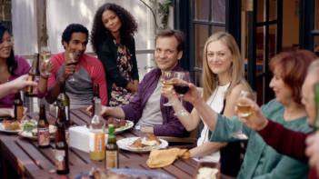 The Slap: una scena di gruppo della miniserie