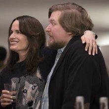 Easy: Elizabeth Reaser e Michael Cernus nel pilot della serie