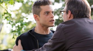 Mr. Robot: Rami Malek e Christian Slater in una scena drammatica della prima stagione