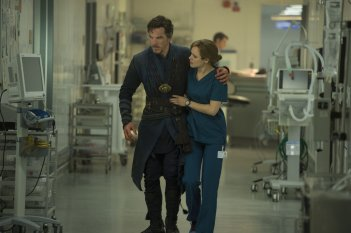 Doctor Strange: Benedict Cumberbatch e Rachel McAdams in una foto del film