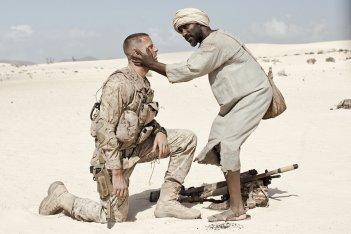 Mine: Armie Hammer e Clint Dyer in una scena