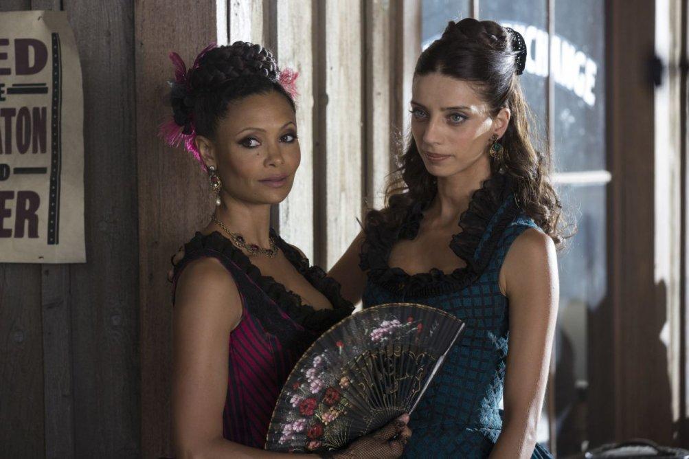 Westworld: Thandie Newton in un'immagine della serie