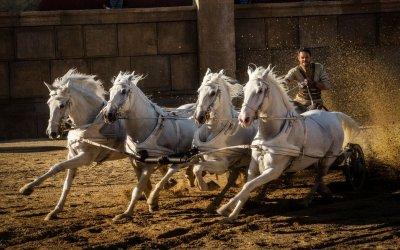 Ben-Hur: la Storia corre sulle bighe