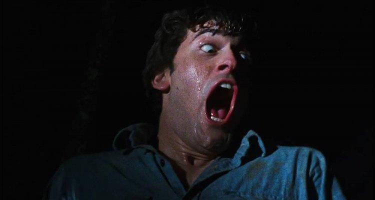 """Bruce Campbell, ecco perché era """"strafumato"""" sul set de La Casa"""