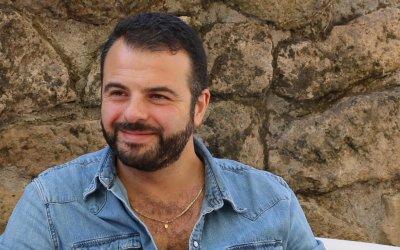 """Edoardo De Angelis parla di Indivisibili: """"Faccio il tifo per queste sorelle in cerca di normalità"""""""