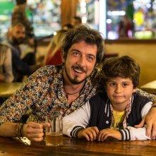 I babysitter: Paolo Ruffini e Davide Pinter in una scena del film